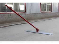 Bull float เกรียงขัดมันใหญ่ 1.2x0.2 เมตร ด้าม 1.8x3.0 เมตร =5.4  เมตร