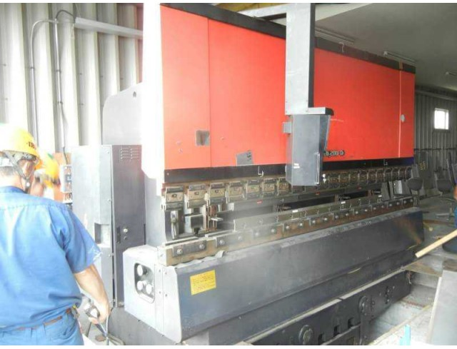 "Used ""Amada"" Press Brake Model: FBD 2004 Year: 1988 Control system: NC-9E Press capacity: 200 ton Max. bend length: 4000 mm (โทร) 0827867706 (line) yoye529 http://line.me/ti/p/3xwsszt9bo https://www.facebook.com/profile.php?id=100014931816409"