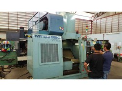 """Mitsui Seiki"" Cnc Machining Center Year 1991 Model: VT-3A Control  Mitsubishi Meldas 300 Work table size: 1,100x550 mm X axis travel: 700 mm Y axis travel: 450 mm Z axis travel: 450 mm"
