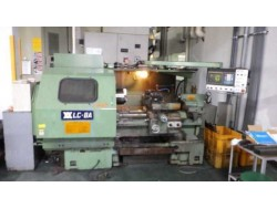 """WASINO"""" brand CNC lathe model : LC-8A mfg : 1989 control : Fanuc-0TA 10 inch hydraulic hollow chuck swing on bed : 550 swing on cross slide : 290 travel : XZ 350*670 center : 800 2 sides square turret tail stock"""