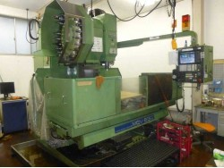 "Okk"" Cnc Machining Center Year 1987 Model: MCV630 Control  OKK MITSUBISHI (meldas330M) Work table size: 1,600x660 mm"