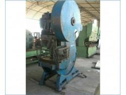 เครื่องปั๊ม/เพรส(Press machine)55ตัน พร้อมใช้ ถูกมากมีเครื่องจักรให้เลือกอีก1,000รายการwww.paholgroup.com